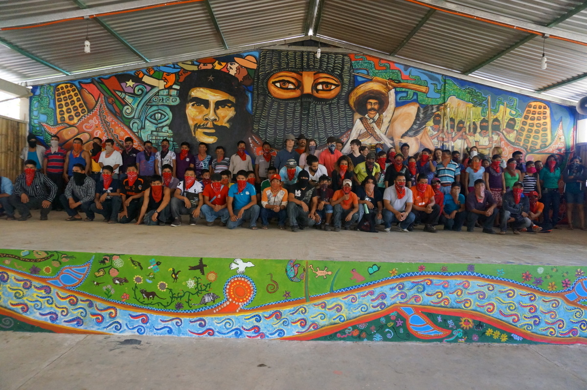 Galeano presente painting in his memory celebrating for Mural zapatista