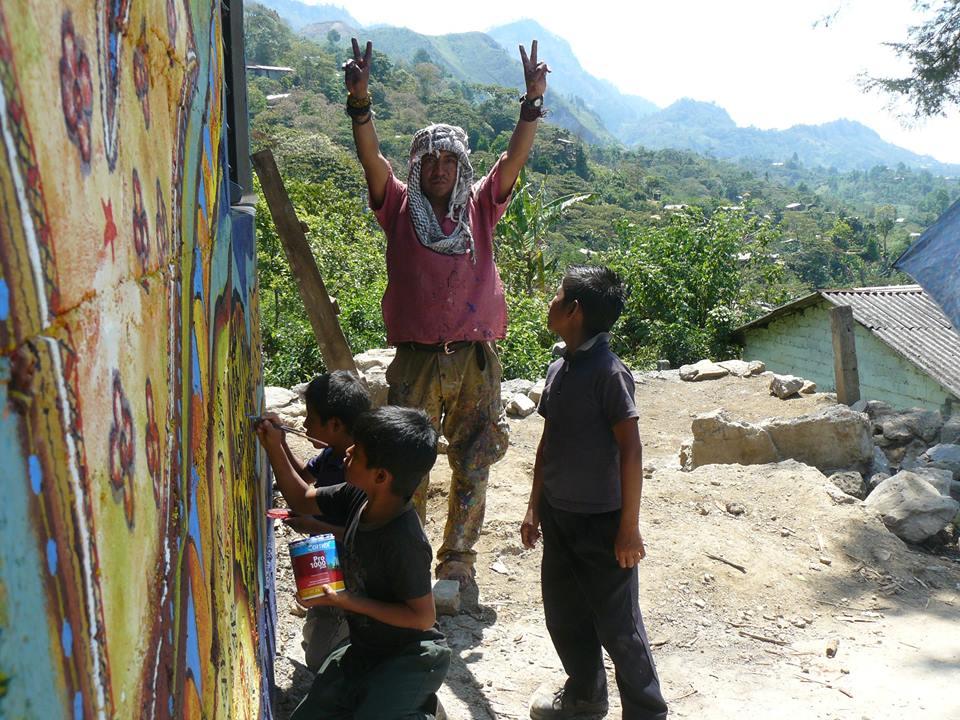 Galeano'S School Mural Painting In La Realidad #1 | Schools For
