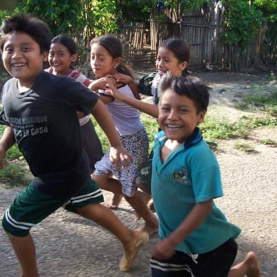 Zapatista kids playing